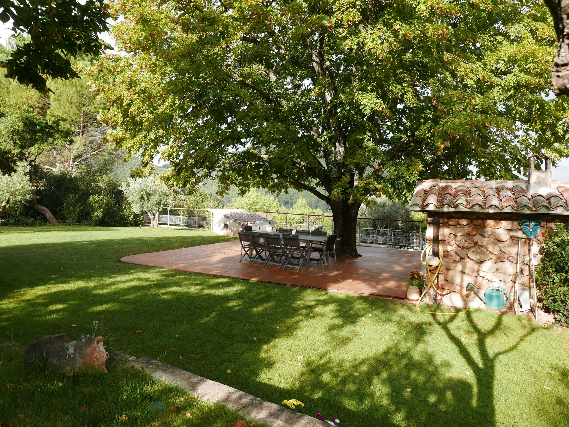 grand tilleul table jardin